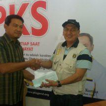 PKS Kabupaten Tangerang Serahkan Bantuan untuk Korban Bencana Garut