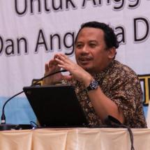 Pelemahan Rupiah Serta Kenaikan Harga BBM dan Pangan Menekan Perekonomian Indonesia