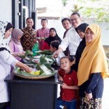 Pelantikan Anggota Dewan, PKS Lebak Makan Pecel Bersama Kader