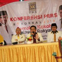 PKS Tetap Oposisi Meski Nanti Diundang Istana