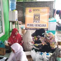 Pasca Banjir, Relawan PKS Fokus Layani Kesehatan Masyarakat