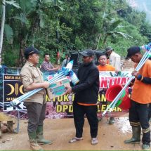 Ketua DPW PKS Banten Kembali Salurkan Bantuan Di Wilayah Yang Terisolir